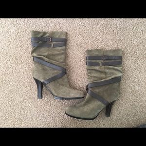 Women's 7.5 Sofft Suede and Leather Boots